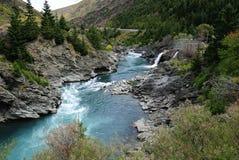 山小河美丽的景色  免版税库存照片