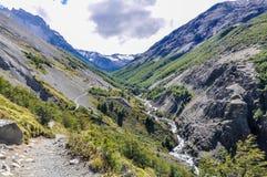 山小河,托里斯del潘恩国家公园,智利 库存图片