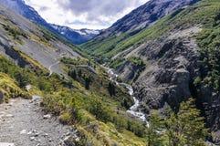 山小河,托里斯del潘恩国家公园,智利 库存照片