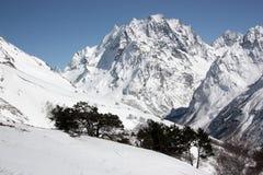 山山区度假村滑雪 免版税库存照片