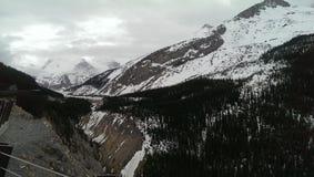 山岩石视图 免版税库存照片