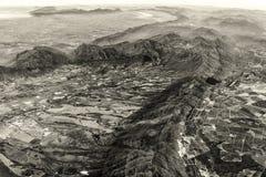 山岭地区的鸟瞰图 免版税库存照片