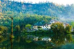 山峨眉- Wangyue湖 库存图片