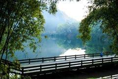 山峨眉- Wangyue湖 免版税图库摄影