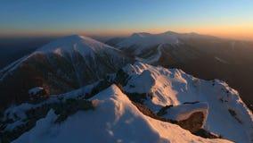 山峰在冬天- Roszutec -斯洛伐克山,时间间隔 股票视频