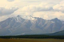 山峰用力嚼Sardyk - 3491海拔米 库存图片