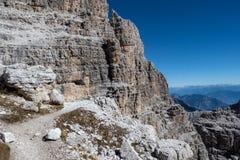 山峰Brenta白云岩的看法 意大利 免版税库存照片