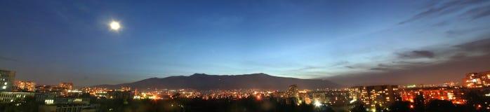 山晚上全景vitosha 图库摄影