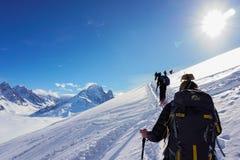 山景在夏慕尼,当滑雪游览时 免版税库存图片