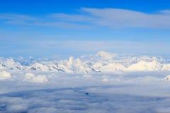 山有马塔角和勃朗峰的阿尔卑斯全景 免版税库存图片