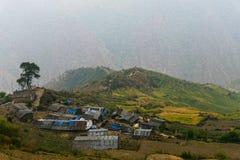 山村和露台的领域 免版税图库摄影