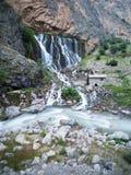 山森林瀑布风景 Kapuzbasi瀑布在开塞利,土耳其 免版税库存照片