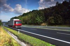 山比利牛斯路西班牙卡车 免版税库存照片