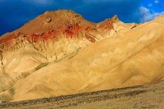 山沙漠横向在死亡谷国家公园, Califor 库存图片