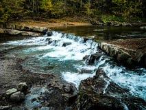 山河瀑布 免版税图库摄影