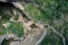 山洞横向  免版税库存照片