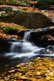 山流瀑布 库存照片