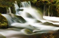 山瀑布 免版税库存图片