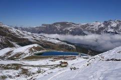 山火车在少女峰地区(瑞士) 免版税库存照片