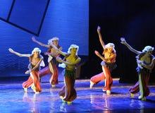 山犬舞蹈这舞蹈戏曲神鹰英雄的传奇 免版税库存照片