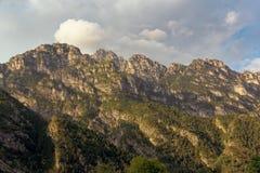山白云岩峰顶在意大利 beauvoir 库存照片