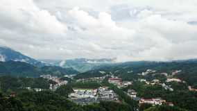 山的一个村庄 库存图片
