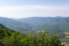 山的上面在Gelendzhik,克拉斯诺达尔边疆区,俄罗斯邻里  免版税库存图片