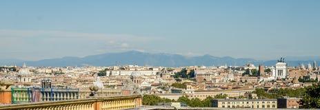 从山的全景在广场的Venezia意大利罗马 库存照片