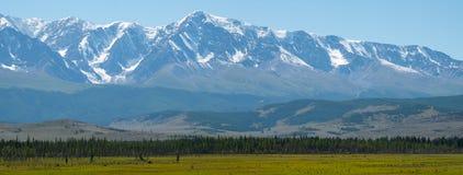 山的全景 免版税库存照片