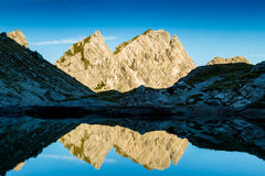 山的反映 免版税库存图片