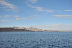 山的喀喀湖 库存图片