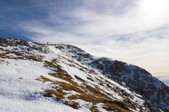 山的孤独的人 库存图片