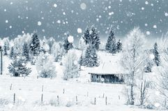山的小积雪的房子 库存照片