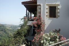 山的村庄房子 库存照片