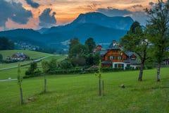 山的村庄 免版税库存照片