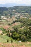 山的泰国村庄 免版税库存图片