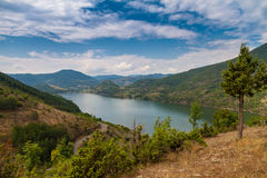 山的湖 免版税库存图片