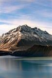 山的看法在Aoraki Mt厨师国家公园的 免版税库存图片