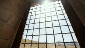 山的看法通过与格子的一个窗口 影视素材