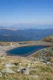 山的美丽的冰河湖 库存照片