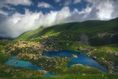 山的美丽的湖 库存照片