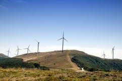 山的风车农场 免版税库存照片