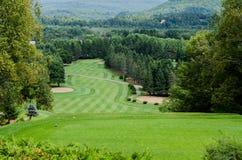 山的高尔夫球场 免版税图库摄影