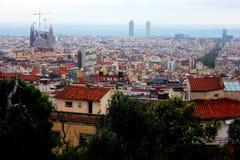 从山的巴塞罗那都市风景 库存照片