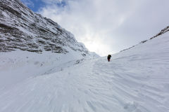 山的登山人 免版税库存照片