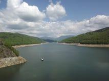 山看法从Vidraru水电厂的 免版税库存图片