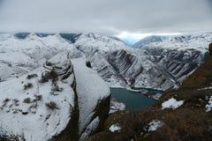 山脉在冬天 库存图片
