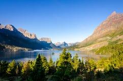 山脉风景看法在冰川NP,蒙大拿的 库存图片