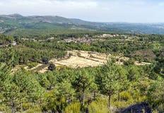 山脉de法国的村庄 免版税库存照片