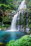 山腰瀑布 库存图片